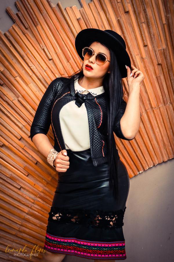 Falda negra franja tonos rosados